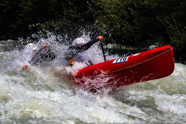 Doppel - Kajak im Wildwasser